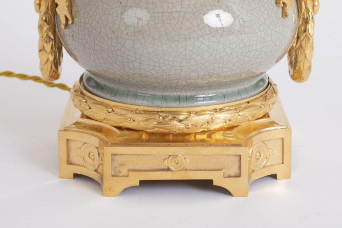 lampe porcelaine craquelée base carrée