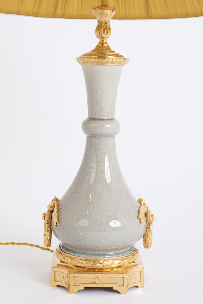 lampe porcelaine craquelée et monture en bronze doré
