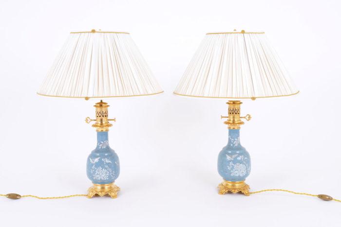 lampes porcelaine bleue émaux blancs