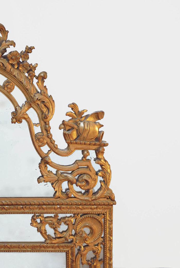 miroir parclose style régence volute trophée fronton