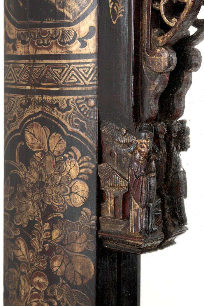 porte laque chinoise décor sculpté personnage pagodes