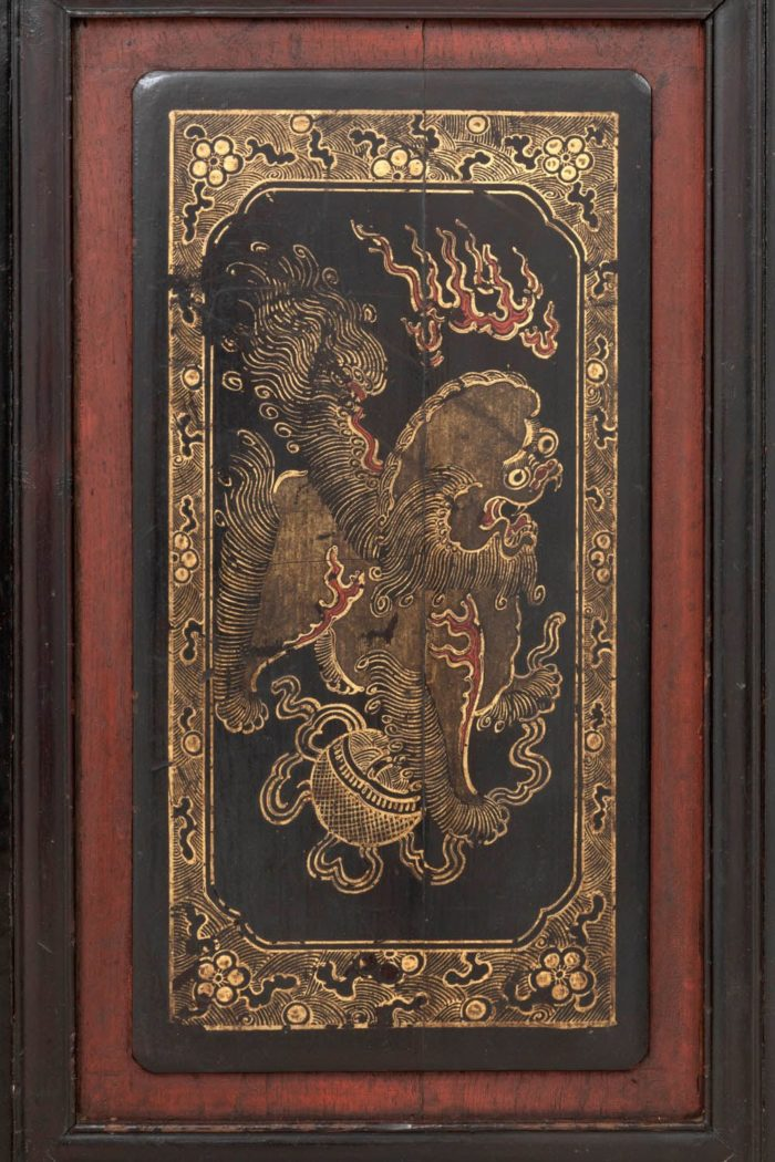 porte laque chinoise lion gardien or rouge