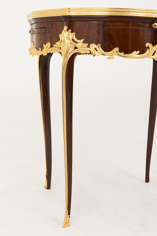 table bouillotte style louis xv pieds