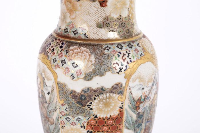 lampe faience satsuma motifs fleurs