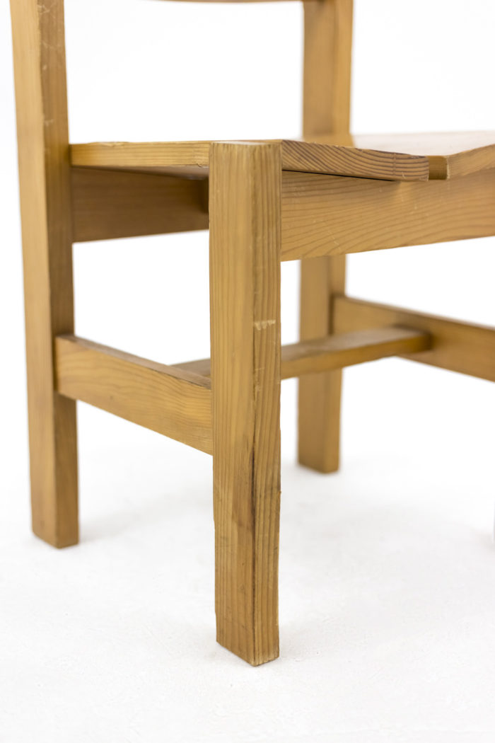 charlotte perriand chair les arcs feet