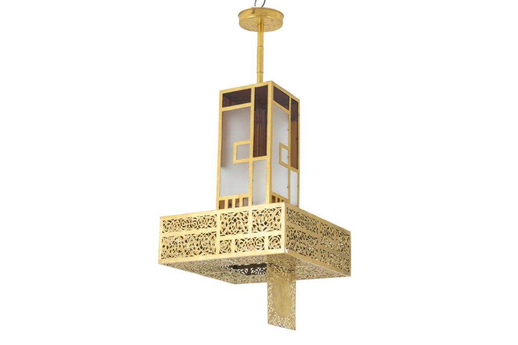 Suspension style oriental laiton doré et verres colorés, années 1960