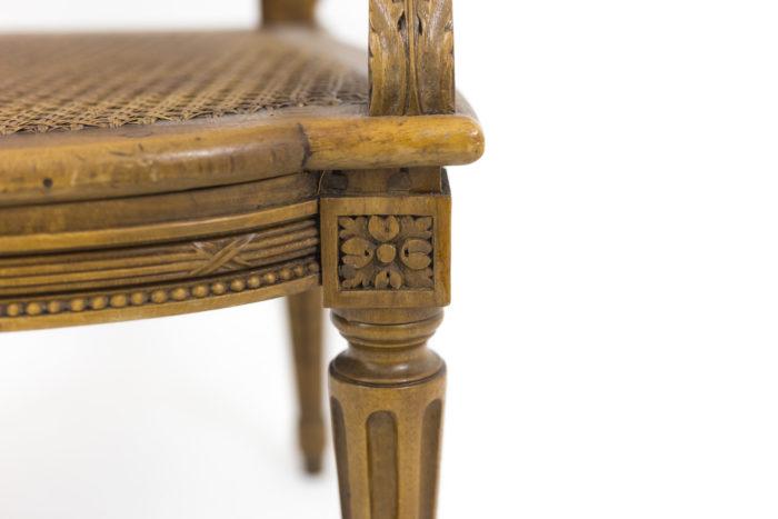fauteuils style louis xvi dé rosace