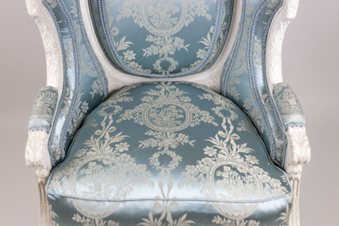 bergere style louis xvi laque gris assise