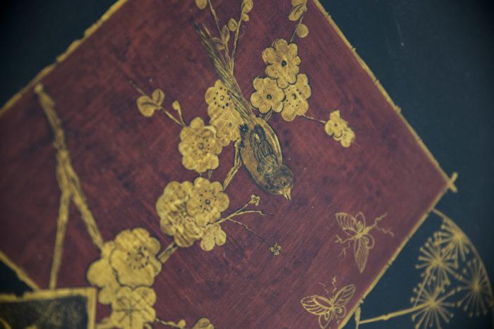 bouts de canapé laque chinoisant rouge or