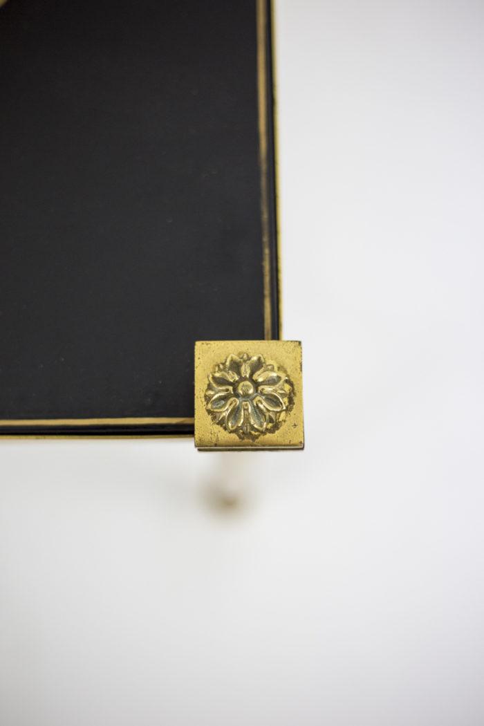 bouts de canapé laque laiton doré écoinçon rosette