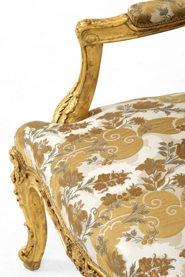 fauteuil style louis XV accotoir