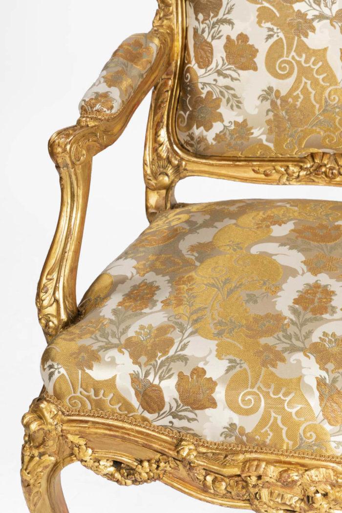 fauteuils style louis xv accotoir
