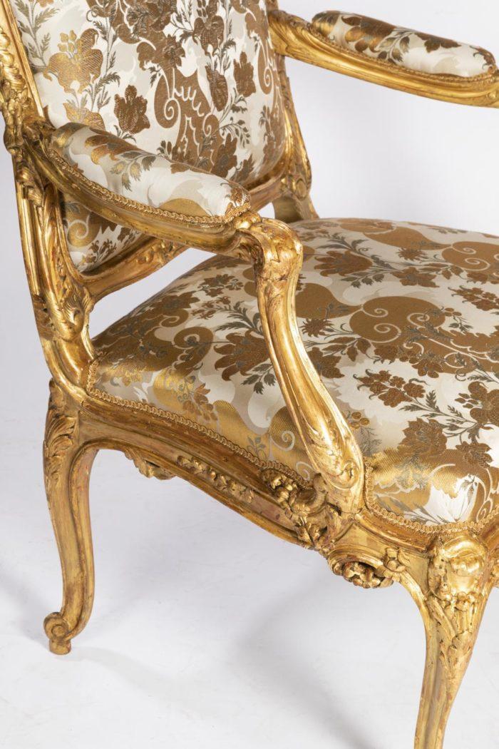 fauteuils style louis xv accotoir manchette