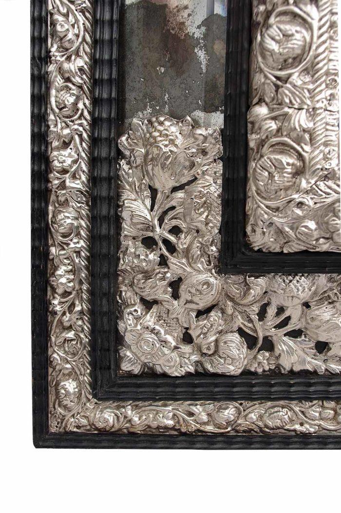 miroir style régence fronton laiton repoussé argenté