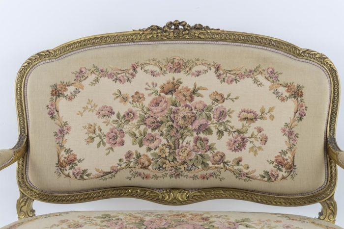 canapé style transition tapisserie fleurs
