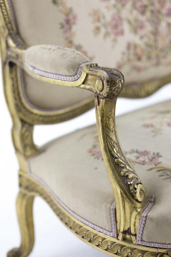 canapé style transition bois doré accotoir