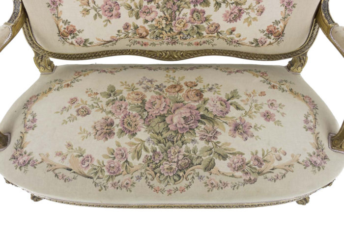 canape style transition bois dore tapisserie assise