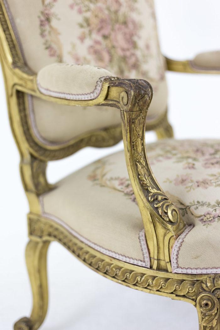 fauteuil style transition bois doré accotoir sculpté