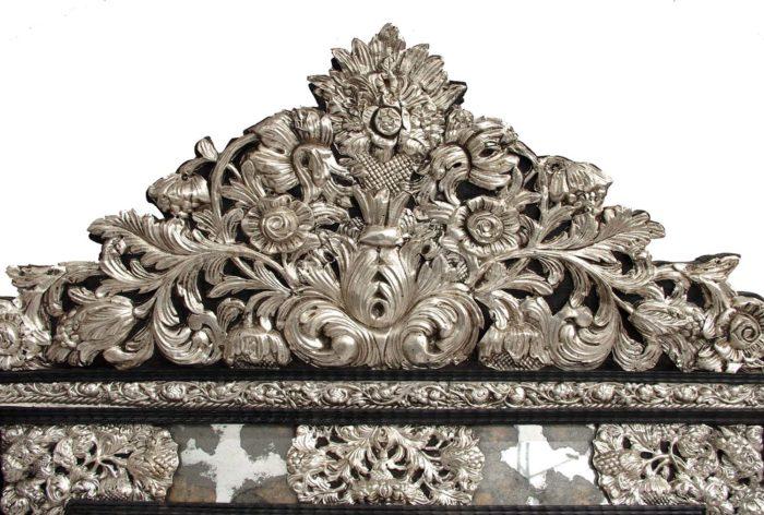 miroir style régence fronton métal repoussé