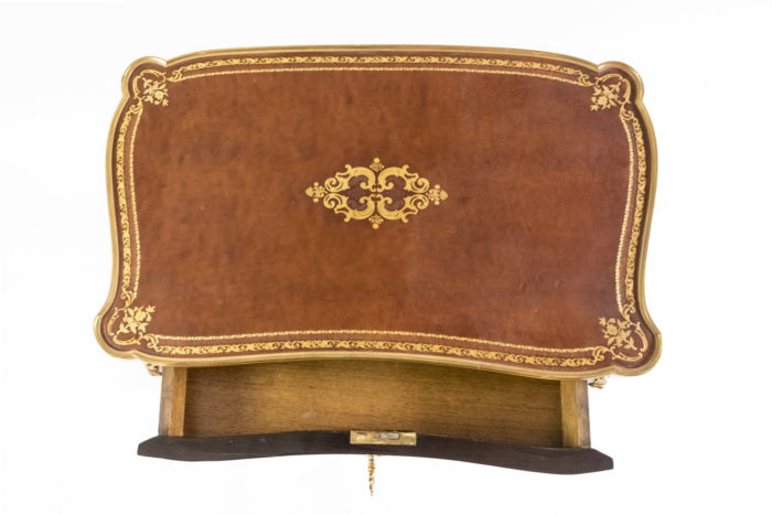 petite table style louis xv plateau cuir or
