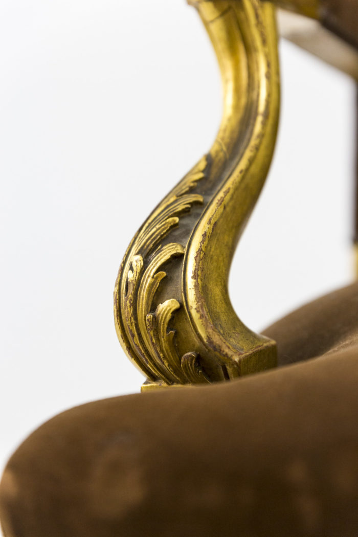 fauteuil style louis xvi a oreilles bois doré accotoir