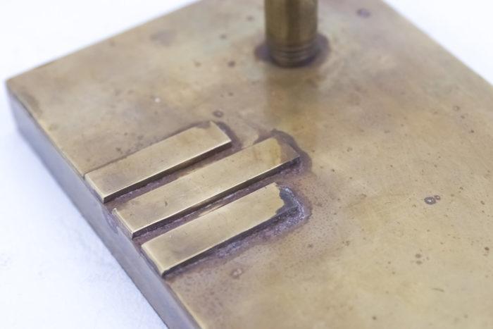 lampe bauhaus laiton cuivre base detail