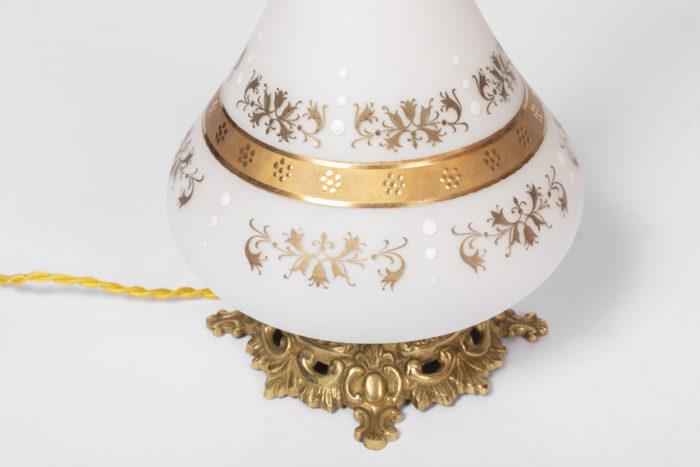 lampes opaline blanche décor doré feuillages