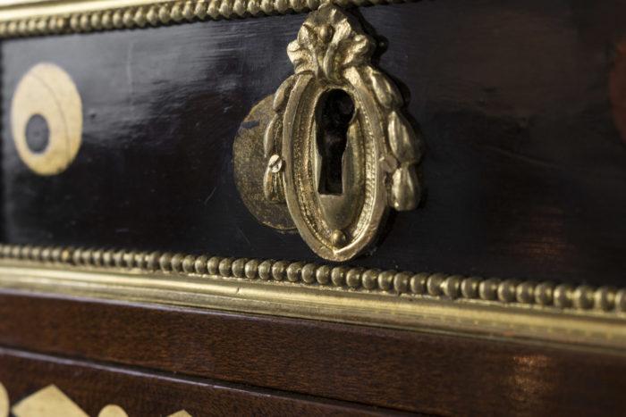 commode style louis xvi serrure bronze doré