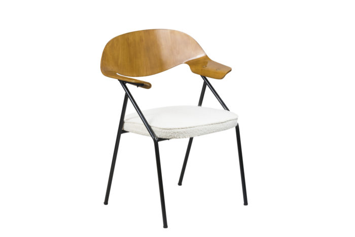 fauteuil robin day contreplaque angle
