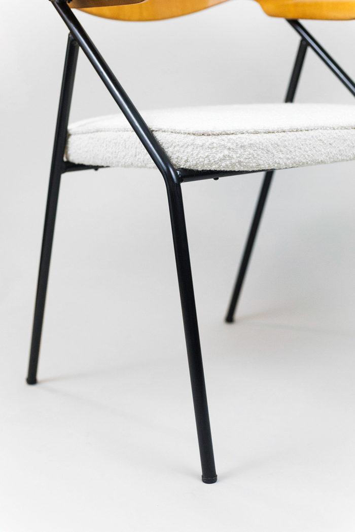 fauteuil robin day piètement métal tubulaire