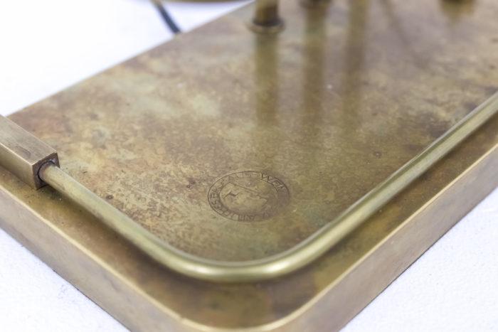 lampe bauhaus laiton doré détail signature