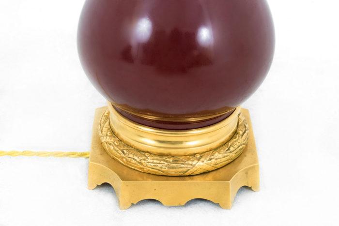 lampe porcelaine sang de boeuf monture bronze bas