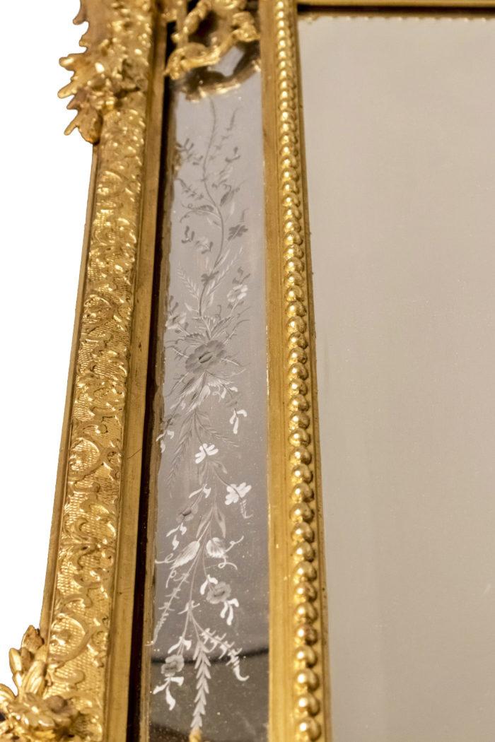 miroir à parecloses gravé bois doré
