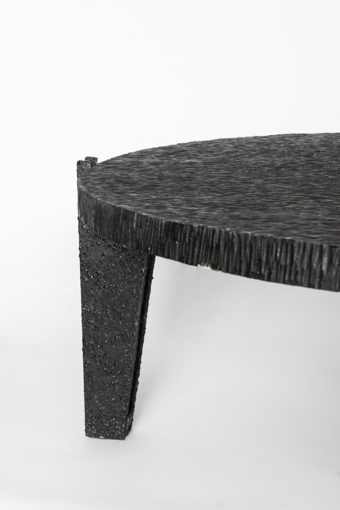 table basse pied metal noir fuselé