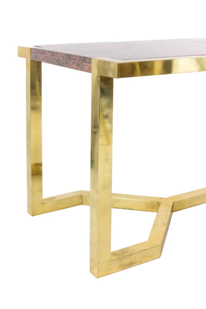 table laiton doré granite rose angle