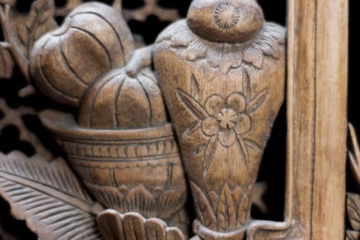 portes style chinoisant détail sculpture bois