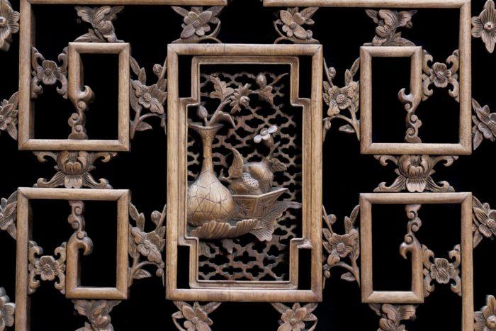 portes style chinoisant vase fleurs fruits