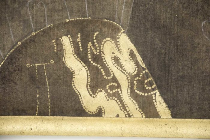 toile peinte femme art déco manteau or marron