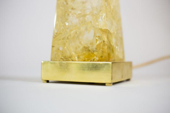 lampe obélisque résine laiton doré base