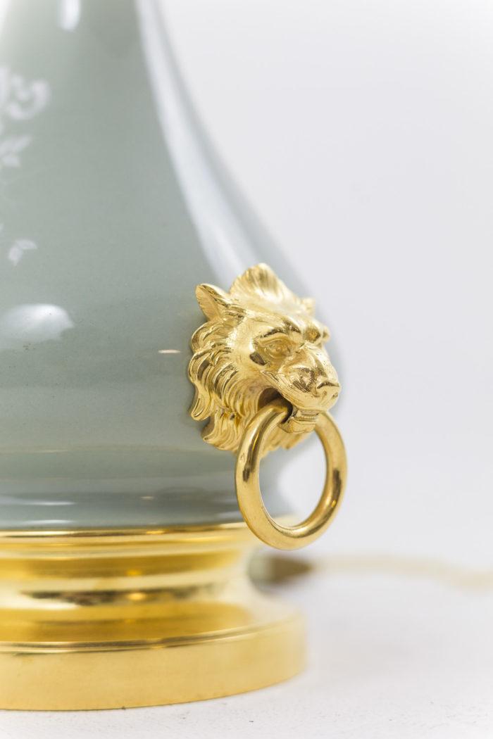 lampes porcelaine anses lion bronze doré