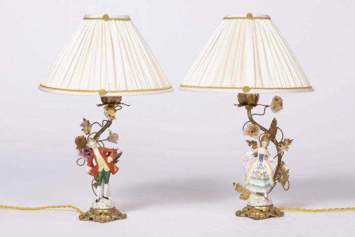 lampes porcelaine personnages laiton doré
