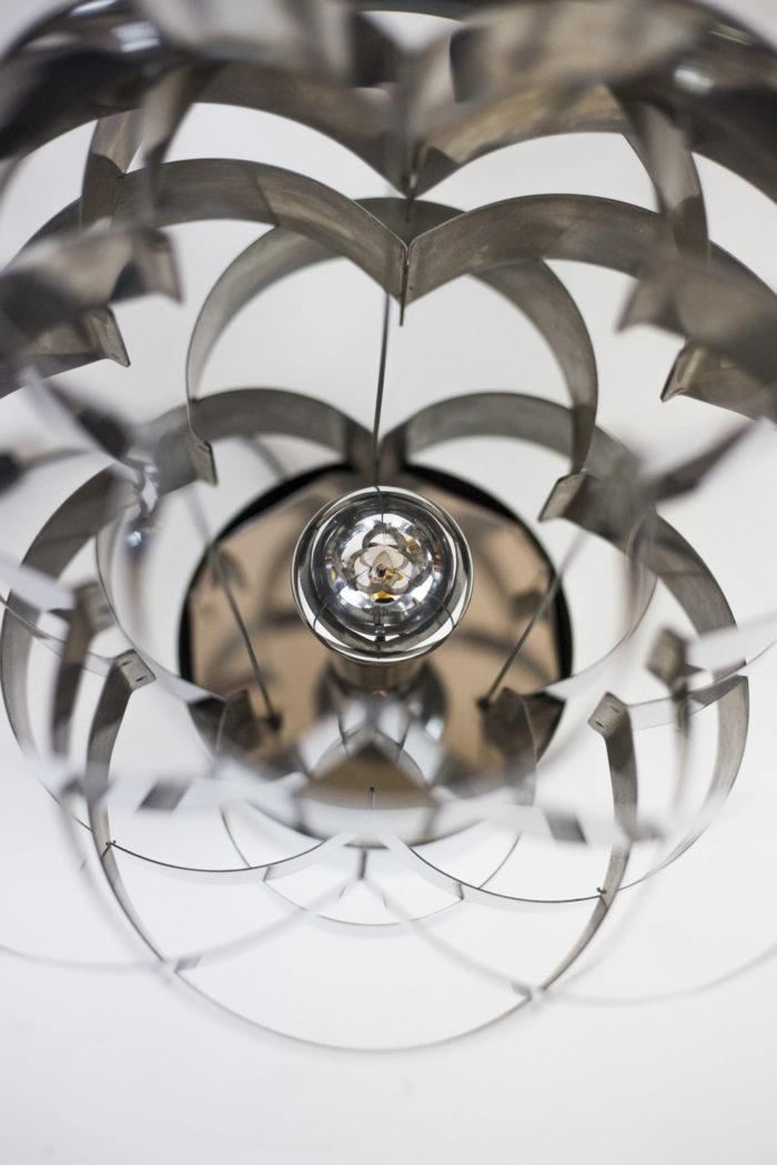 max sauze lampe dessus détail