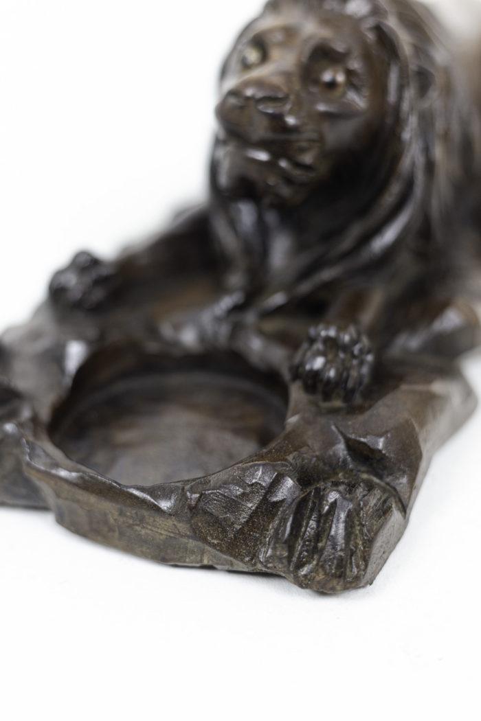 inkwell walnut lion hole