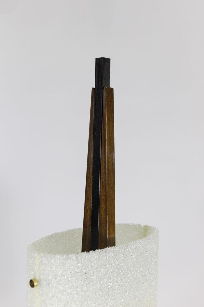 lampadaire résine granitée bois métal laqué noir fût