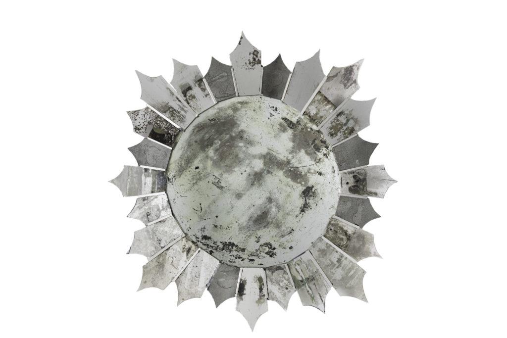 Miroir étoile légèrement oxydé, travail contemporain