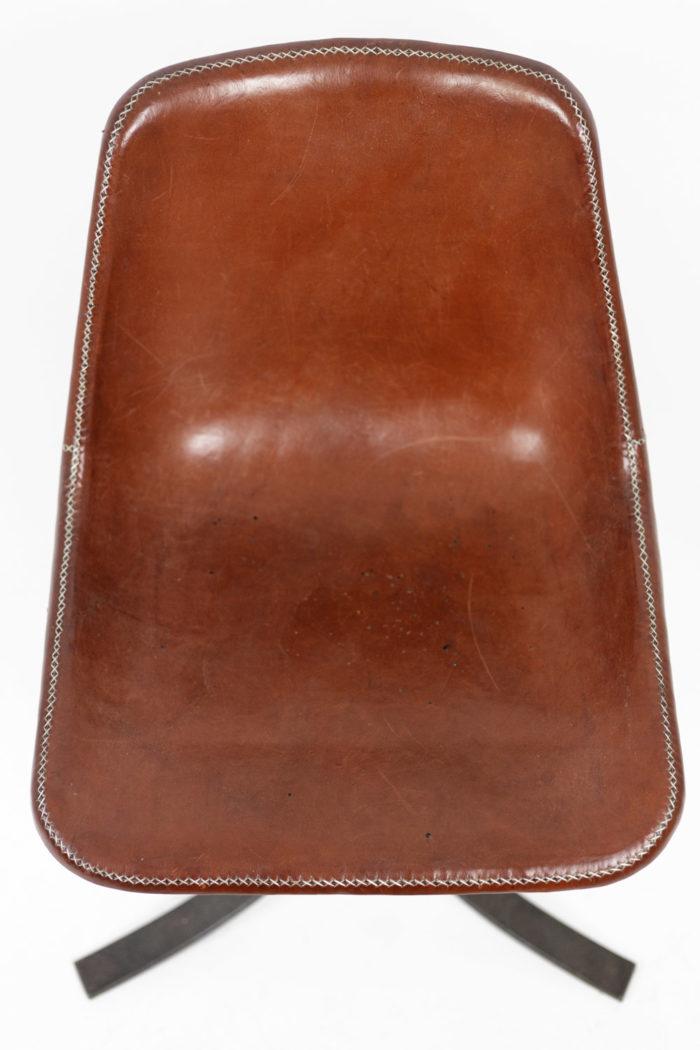 sol&luna chaise cuir rouge métal assise