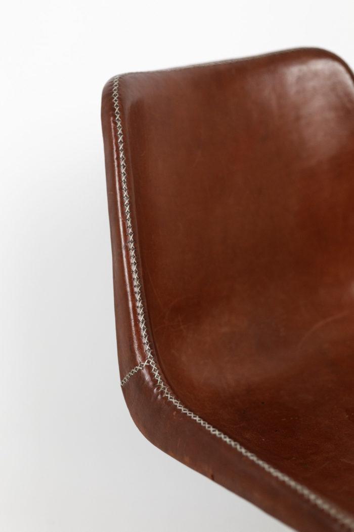 sol&luna chaise cuir rouge métal dossier