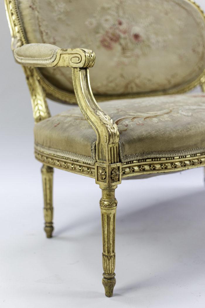 canapé style louis xvi bois doré tapisserie aubusson pied