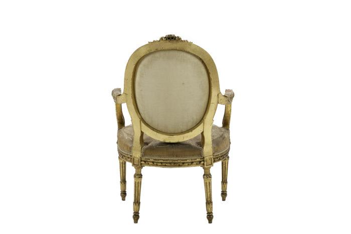 fauteuils style louis xvi bois doré tapisserie aubusson dos