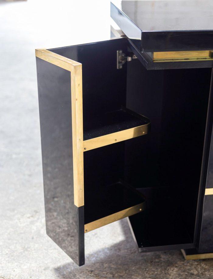 jean-claude mahey enfilade laque noir laiton doré porte